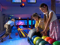 Holiday parks with bowling alley