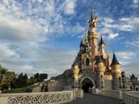 Holiday parks near Disneyland Paris
