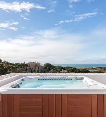 Holiday cottages with outdoor hot tub