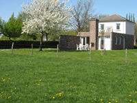 Holiday cottages with garden