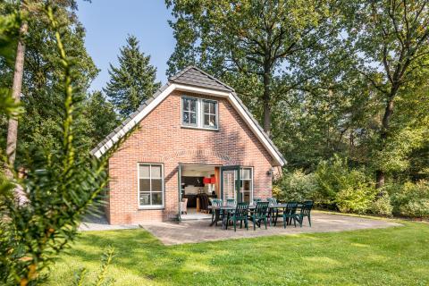 8-person cottage E