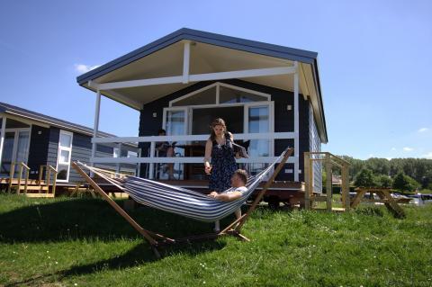 4-person mobile home/caravan Strandhuisje