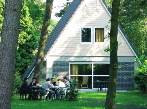 8-person cottage KCL
