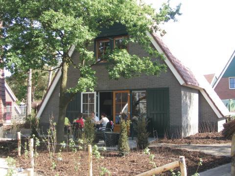 8-person cottage KE