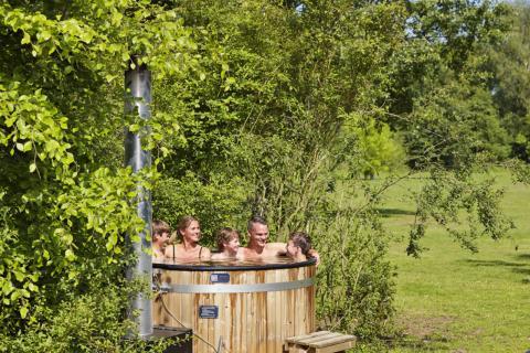 6-person cottage Damhert Hottub