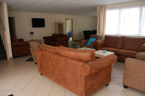 16-person group accommodation