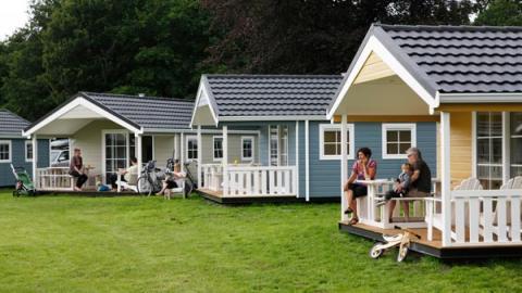 4-person mobile home/caravan Duinhuisje